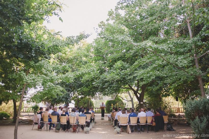 Quirky destination wedding Portugal